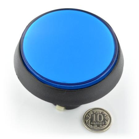 Push button w kolorze niebieskim.