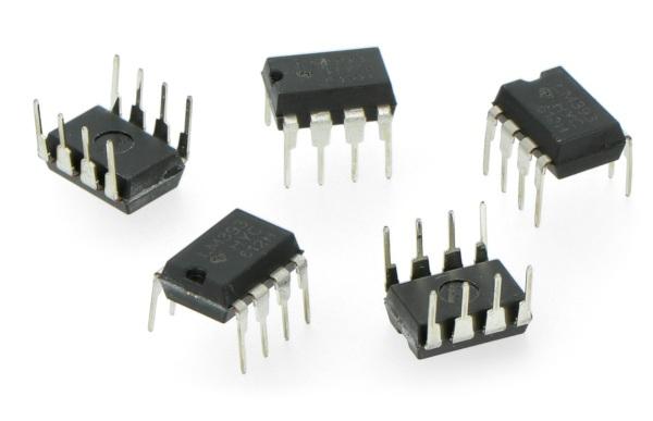 Komparator dwukanałowy Low-Power LM393P - THT DIP8 - 5szt.