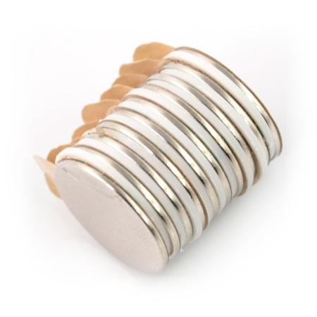Magnes neodymowy okrągły z warstwą klejącą - 10 sztuk.