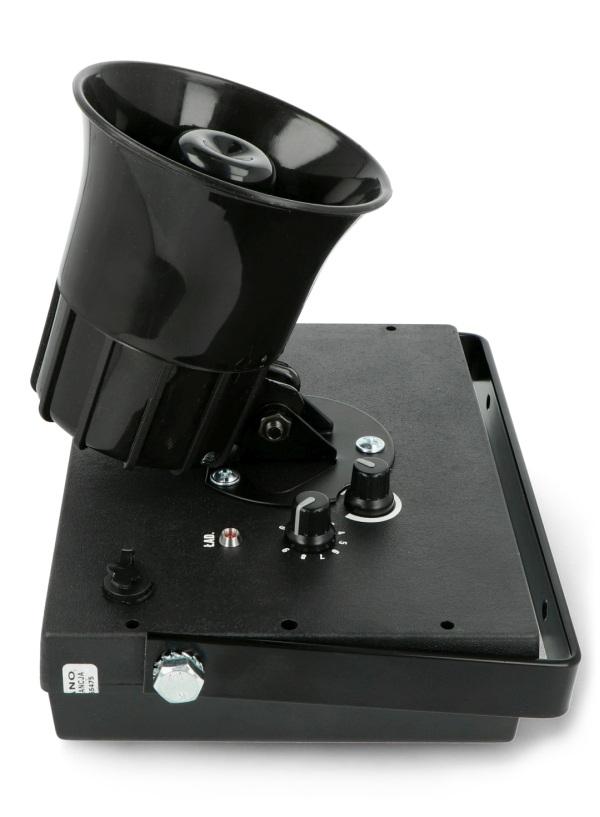 Odstraszacz wyposażono w czujnik ruch, który nieprzerwanie monitoruje obszar docelowy.
