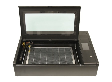 Wycinarkai grawerka laserowa Beambox Pro.
