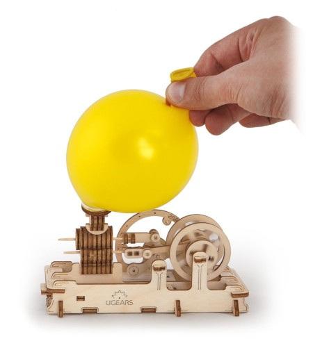Silnik Pneumatyczny odUgearsmodels jest dokładnym odwzorowaniem maszyny parowej.