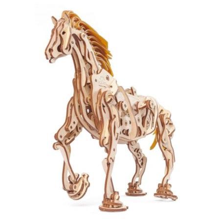 Koń-mechanoid jest połączeniem natury i mechaniki.