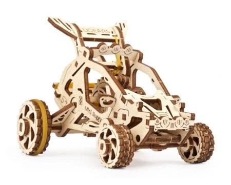 Konstrukcja mini Buggy została opracowana w taki sposób, aby użytkownik mógł zobaczyć ruch kół zębatych silnika.